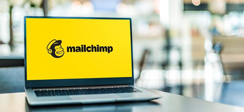 Mailchimp ist eines der besten Tools, um E-Mail-Marketingkampagnen effektiv durchzuführen und die Ergebnisse zu messen.